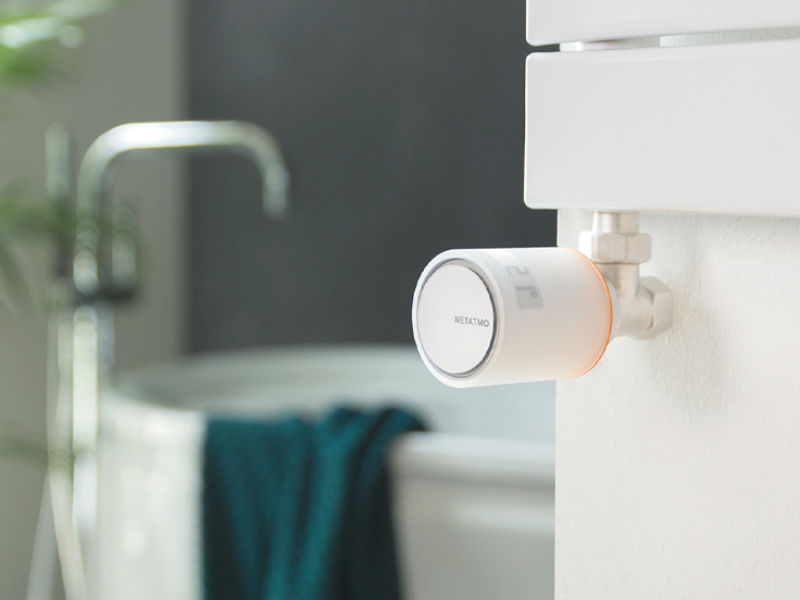 Netatmo Heizkörperthermostat im Badezimmer montiert