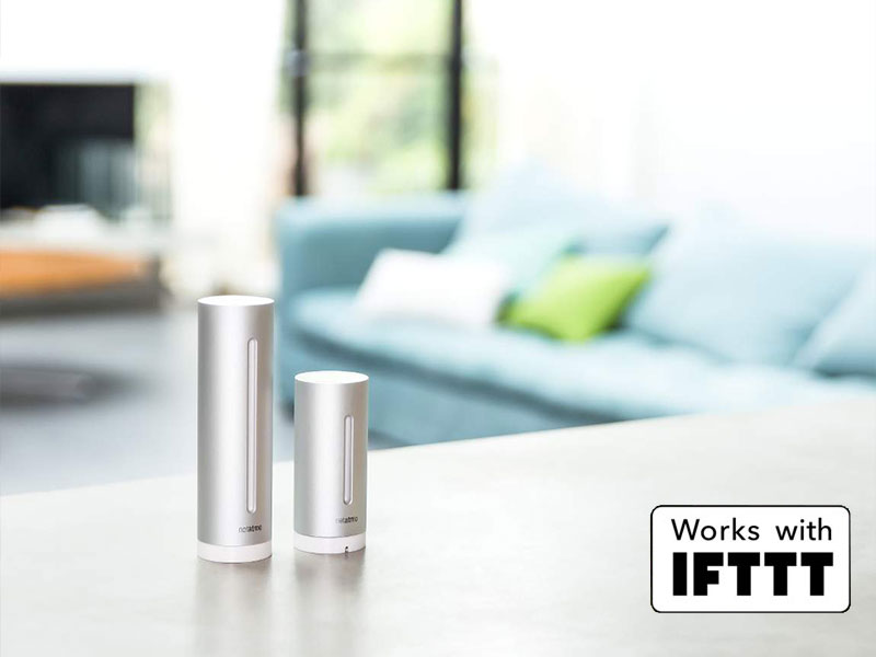 Netatmo-Wetterstation-Auf-dem-Tisch-im-Wohnzimmer-Works-with-IFTTT
