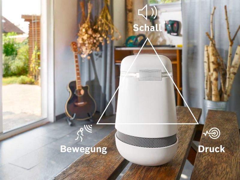 Das nur 12 cm kleine mobile Alarmgerät scannt mit seinen hochwertigen Sensoren die Umgebung.
