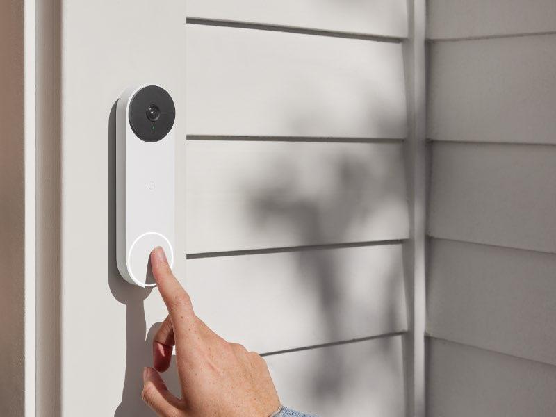Google Nest Doorbell und Nest Cam für den Innen- und Außenbereich präsentiert.