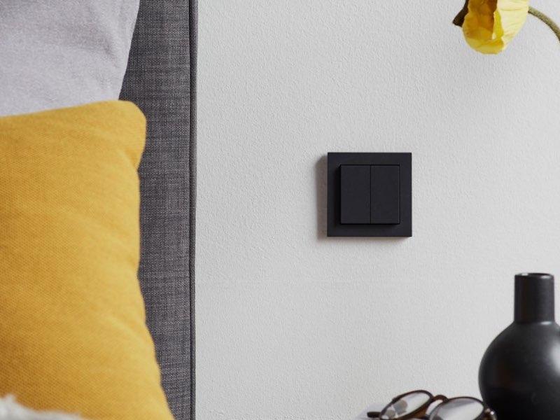 Senic Friend of Hue Smart Switch - Smarter Lichtschalter für HomeKit in anthrazit