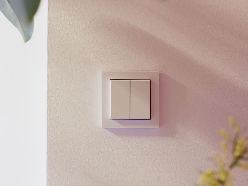 Senic Friend of Hue Smart Switch - Smarter Lichtschalter für HomeKit in weiß